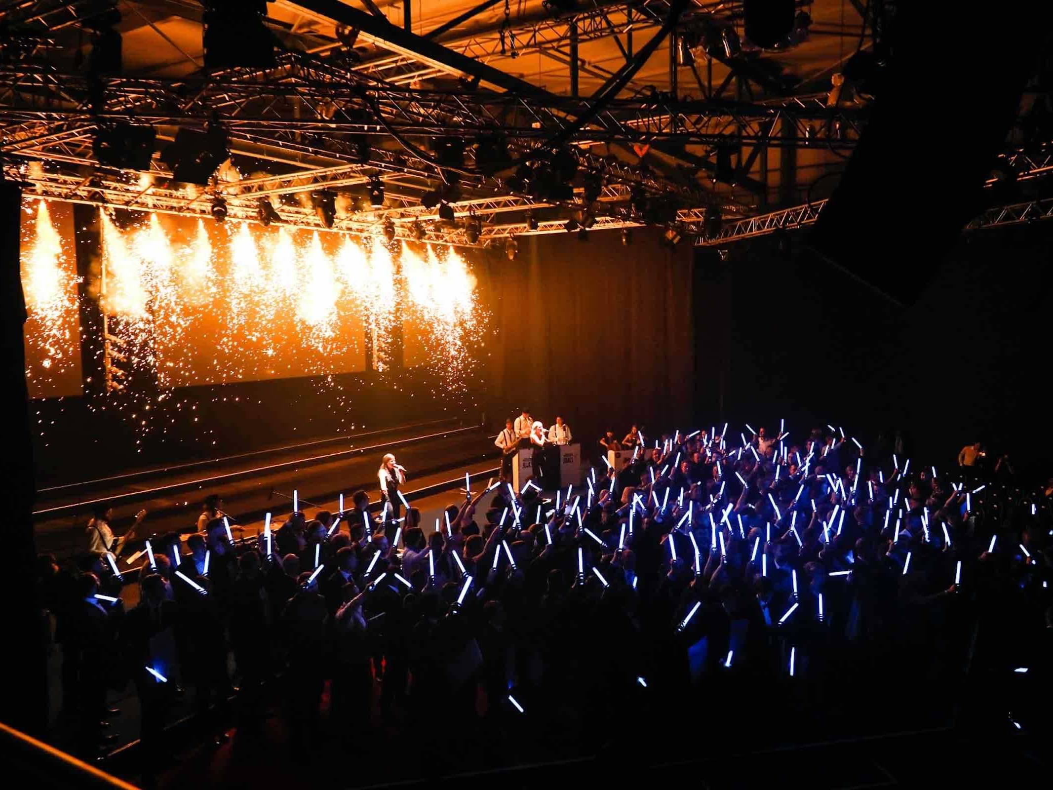 Band | Hamburg | Jazz | Swing | Motown | Pop | Lounge | Partyband | Liveband | Messe | Gala | Hochzeit | Trauung | Empfang | Buchen | Mieten | Anfragen | Modern | Jukes | Hamburgfeiert