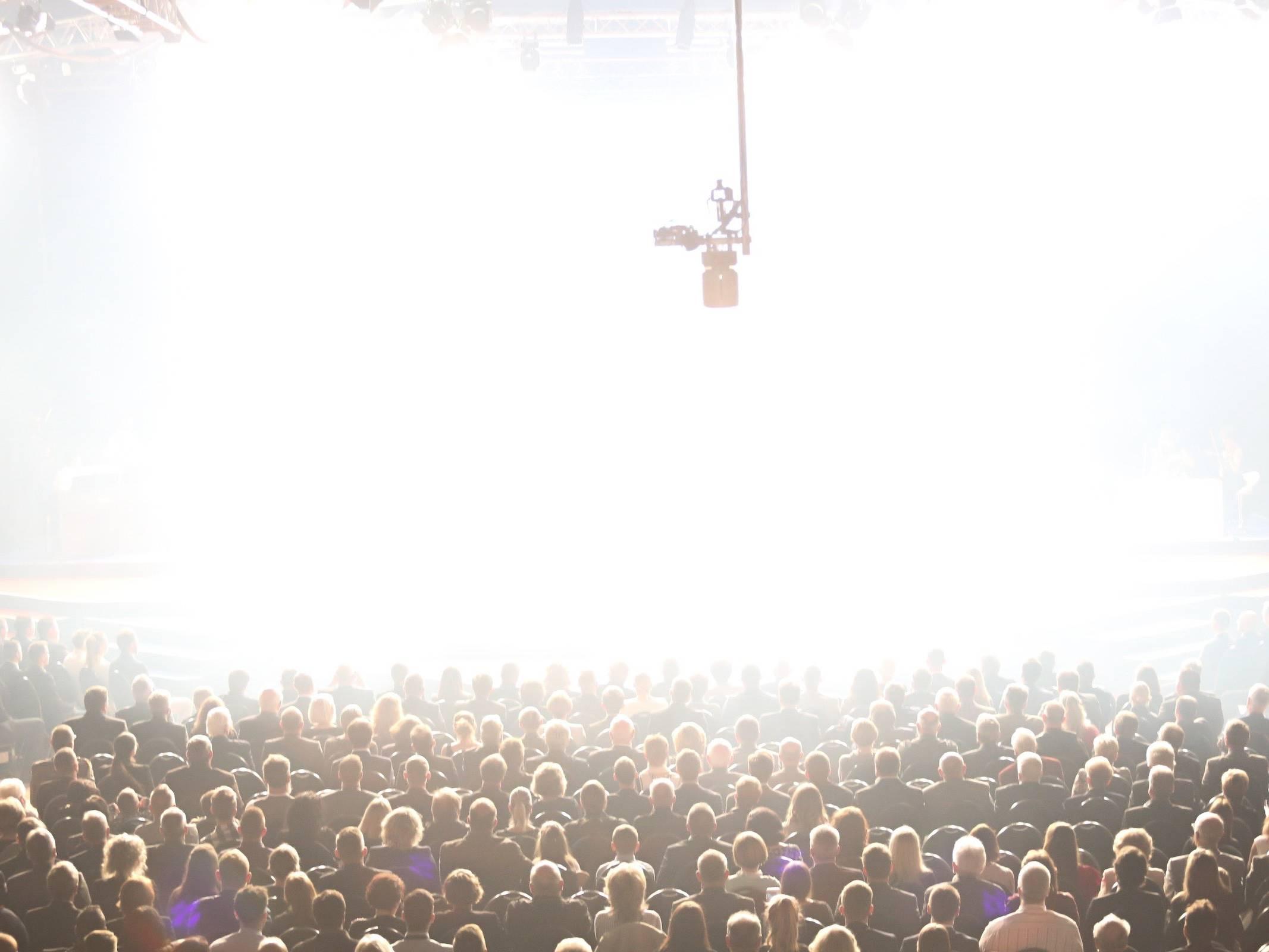 Band | Hamburg | Liveband | Livemusik | Walking | Act | Partyband | Jazzband | Swingband | Loungeband | Popband | Jazz | Saxophonist | Bühnenshow | Konzert | Hochzeit | Messe | Firmenfeier | Charity | Gala | Anfragen | Hamburgfeiert