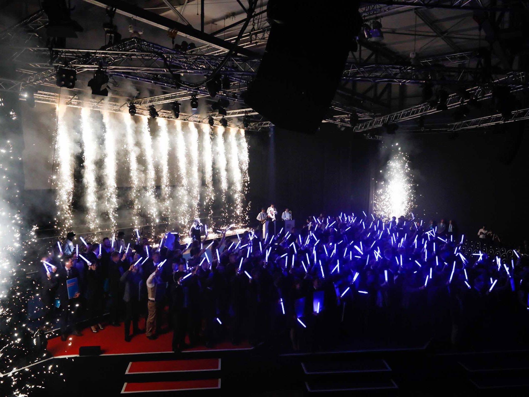 Band | Hamburg | Liveband | Livemusik | Walking | Act | Partyband | Jazzband | Swingband | Loungeband | Popband | Jazz | Saxophonist | Bühnenshow | Showband | Hochzeit | Messe | Firmenfeier | Charity | Gala | Hamburgfeiert