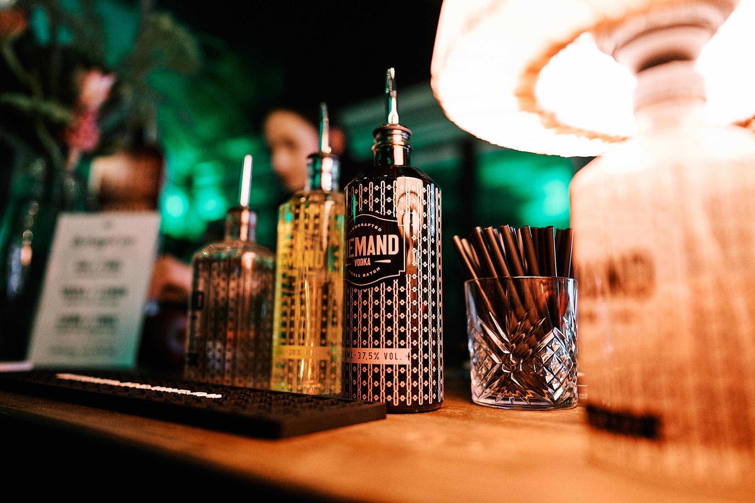 Barkeeper | Hamburg | Cocktailbar | Cocktails | Sektempfang | Buchen | Mieten | Geburtstag | Ape | VW | Bar | Getränke | Catering | Foodtruck | Weinbar | Ginbar | Sektbar | Kaffeebar | Messen | Hamburgfeiert