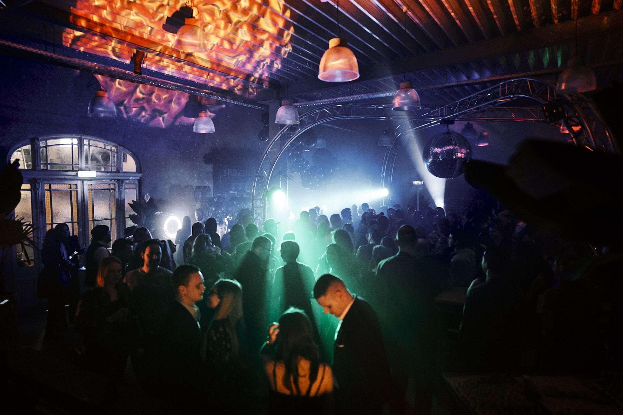 DJ | Agentur | Hamburg | DJ | Service | DJ | Feier | Hochzeits | DJ | Messe | DJ | Hamburg | Firmenfeier | DJ | Geburtstag | Discjockey | Weihnachtsfeier | DJ | Sommerfest | Event | Buchen | Mieten | Hamburgfeiert