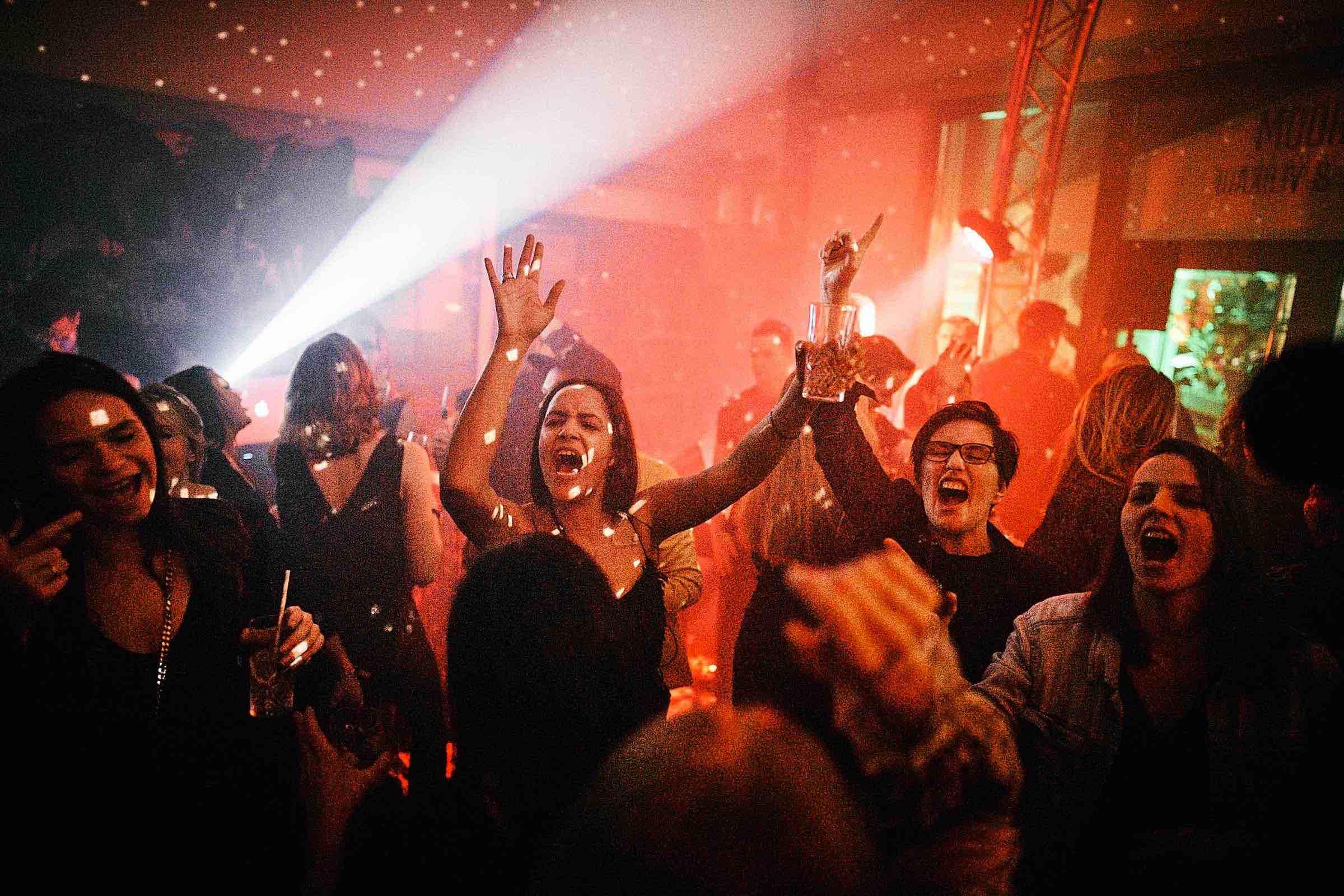 DJ   Hochzeit   DJ   Agentur   DJ   Service   Hamburg   DJ   Feier   Hochzeits   DJ   Messe   DJ   Firmenevent   Firmenfeier   DJ   Geburtstag   Discjockey   Weihnachtsfeier   DJ   Sommerfest   Event   Buchen   Mieten   Hamburgfeiert