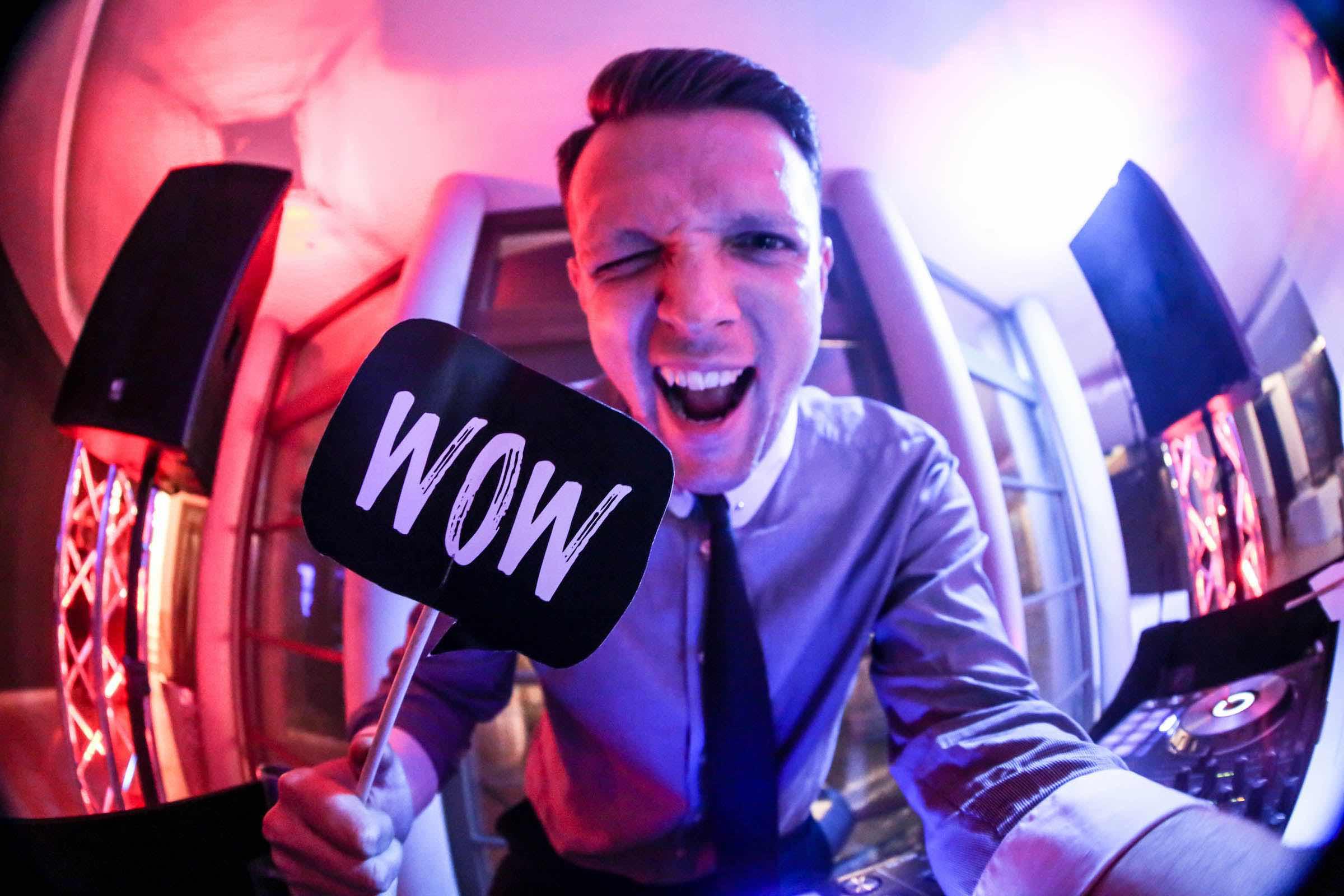 DJ | Hochzeit | Hamburg | Discjockey Messe | Event | DJ | Geburtstag | Betriebsfeier | Buchen | Discjockey | Mieten | Anfragen | DJ | Timm | Lehmann | Eventservice