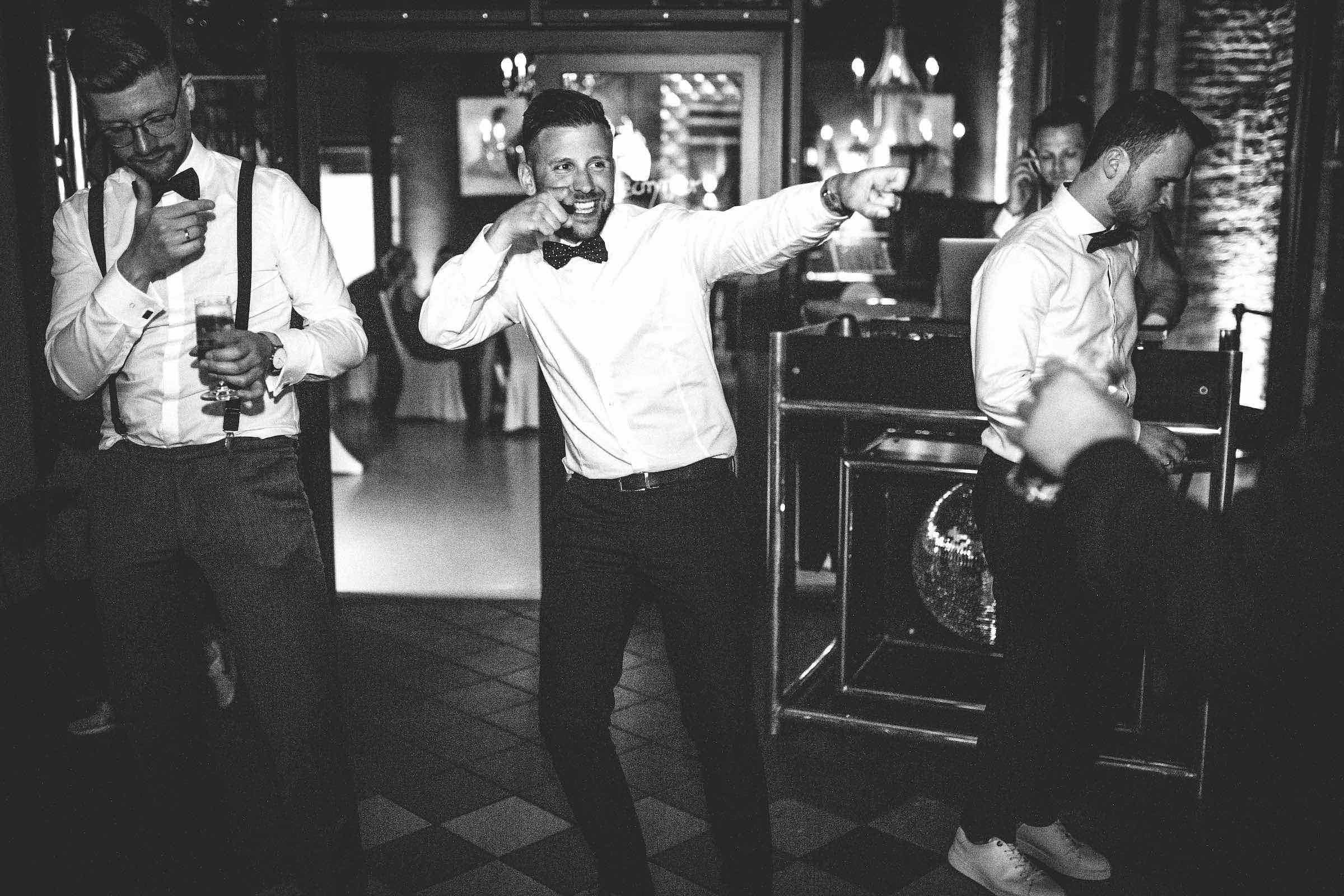 DJ | Hochzeit | Mieten | DJ | Agentur | Hamburg | DJ | Service | DJ | Feier | Hochzeits | DJ | Messe | DJ | Firmenevent | Firmenfeier | DJ | Geburtstag | Discjockey | Weihnachtsfeier | DJ | Sommerfest | Event | Buchen | Hamburgfeiert