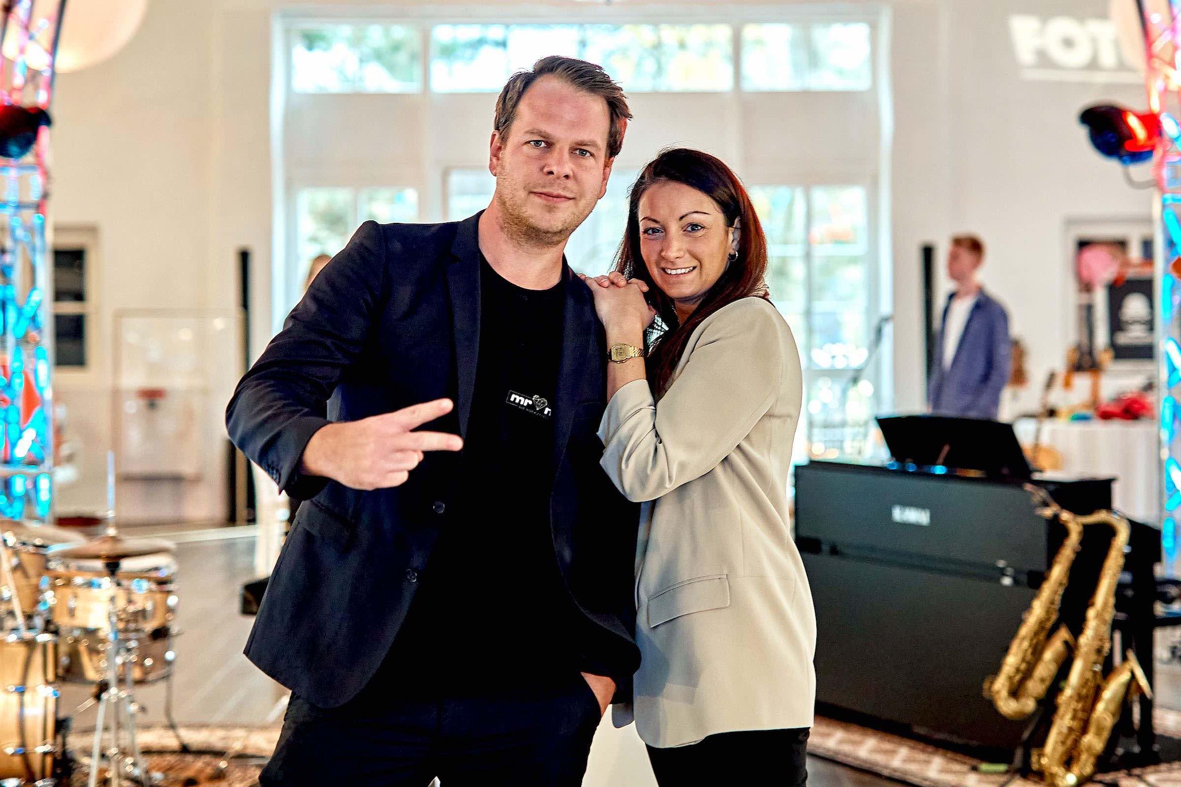 Eventplaner | Hochzeitsplaner | Hamburg | Eventaustattung | Mieten | Buchen | Hochzeiten | Dekoration | Tischdekoration | Firmenfeiern | Gala | Tischdekoration | Technik | Logistik | Lieferung | Hamburgfeiert
