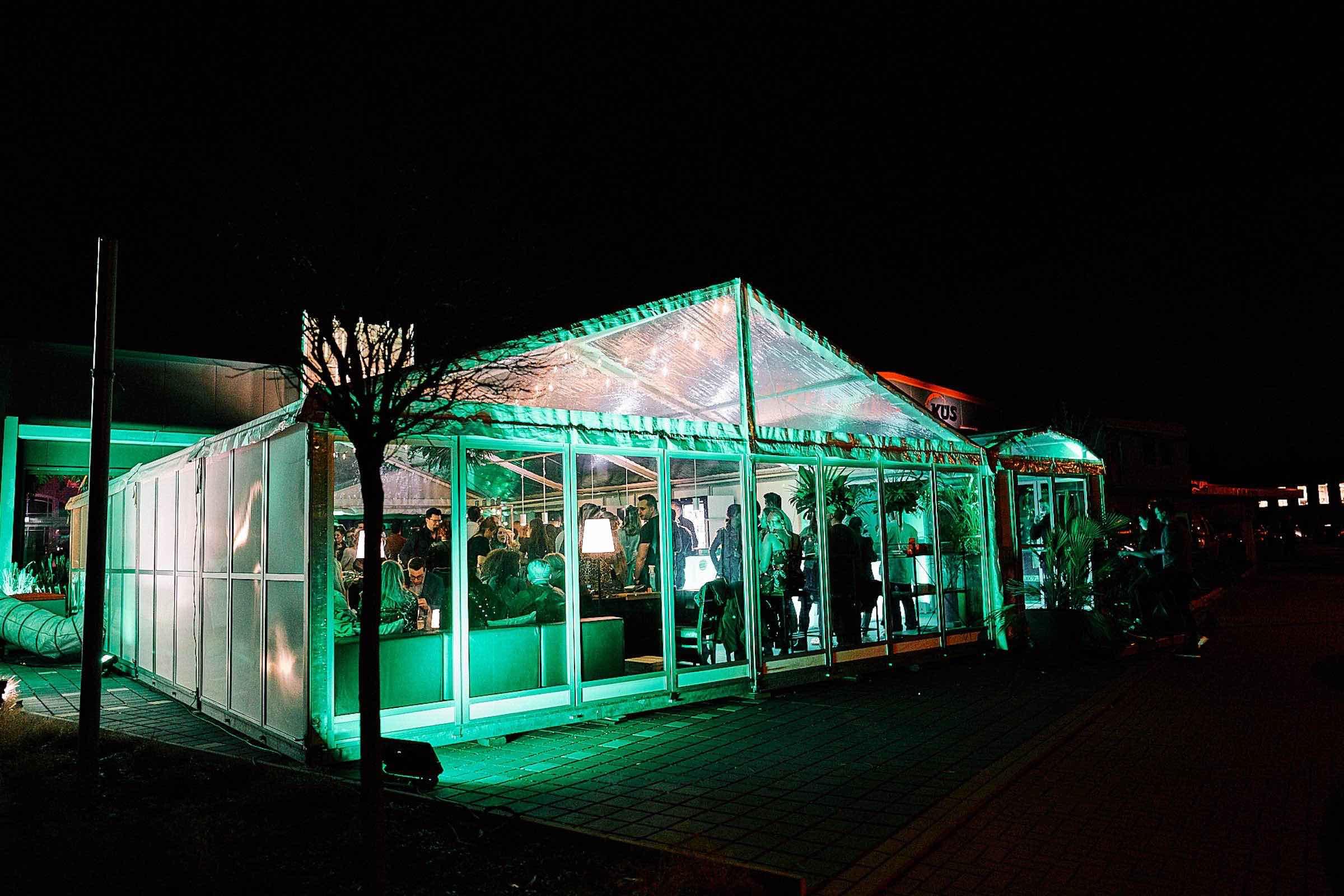 Eventplanung | Eventausstatung | Catering | Hannover | Kongresse | Shows | Galas Modenschauen | Bühnen | Licht | Tontechnik | Logistik | Dekoration | Programmgestaltung | Künstler