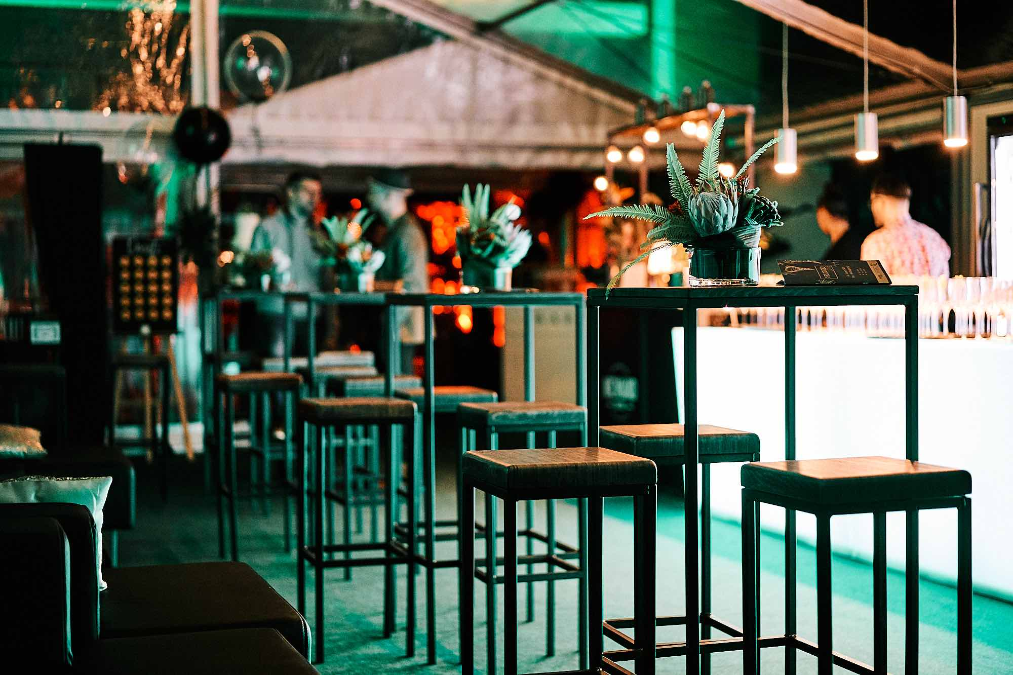 Eventplanung | Eventausstatung | Event | Miet | Service | Hannover | Kongresse | Shows | Galas Modenschauen | Bühnen | Lichttechnik | Tontechnik | Logistik | Dekoration | Catering | Programmgestaltung | Künstler