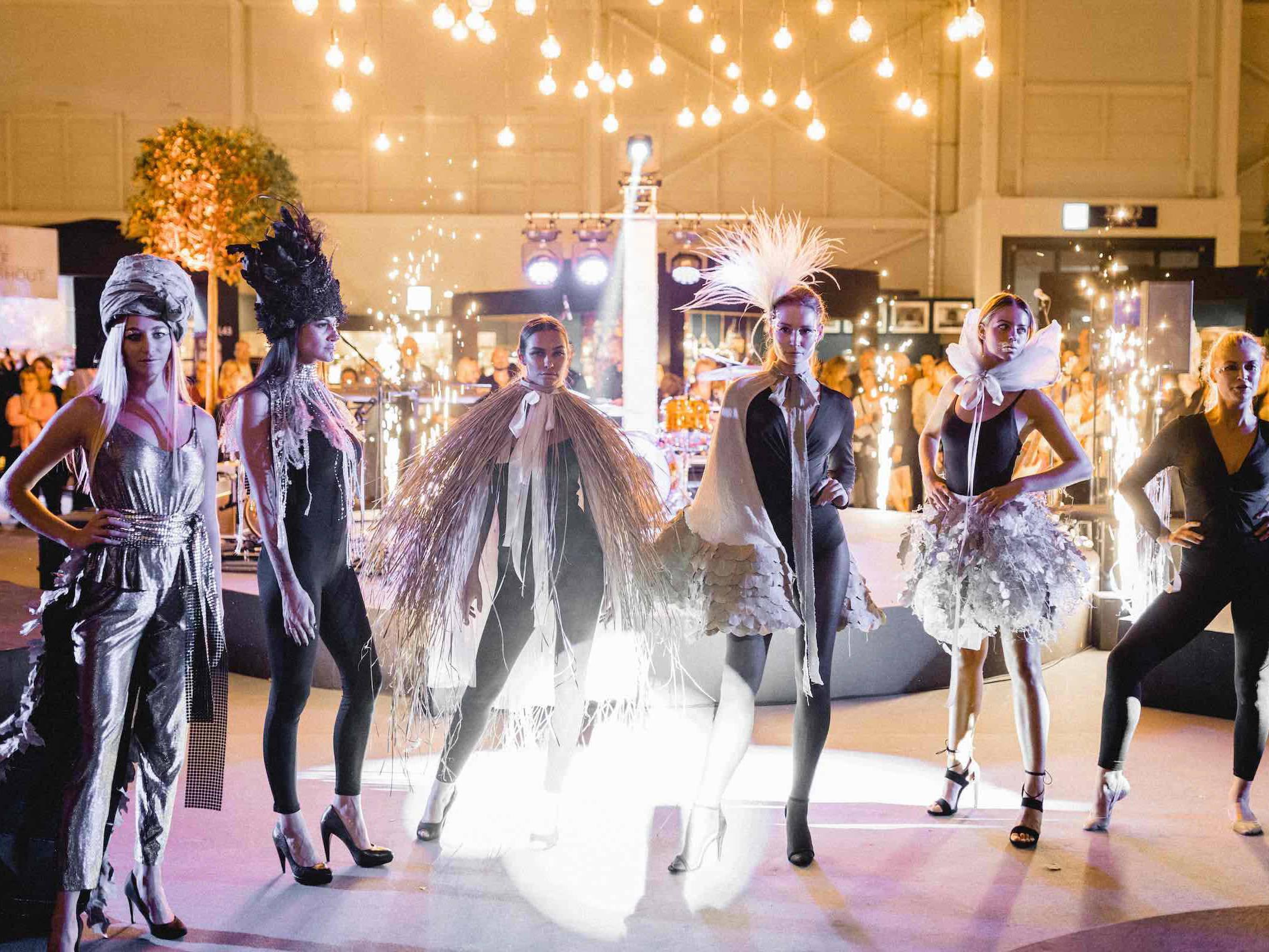 Eventplanung | Eventausstatung | Hamburg | Kongresse | Shows | Galas | Modenschauen | Produktpräsentationen | Bühnen | Licht | Tontechnik | Veranstaltungslogistik | Catering | Programmgestaltung | Künstler