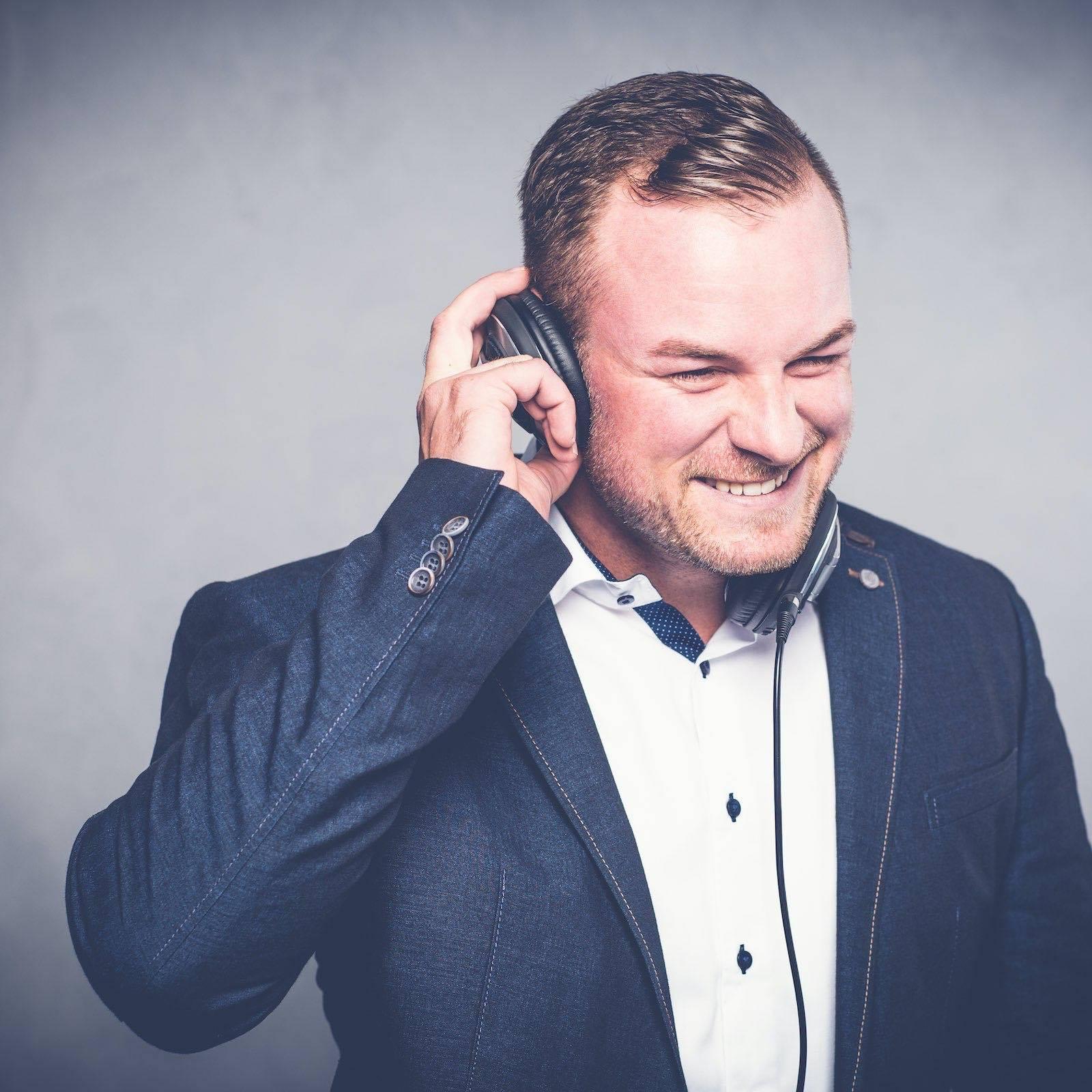 Hochzeits | DJ | Buchen | Hamburg | Discjockey | Nils | Messe | DJ | Event | DJ | Geburtstag | DJ | Mieten | Anfragen | DJ | Agentur | Hamburgfeiert
