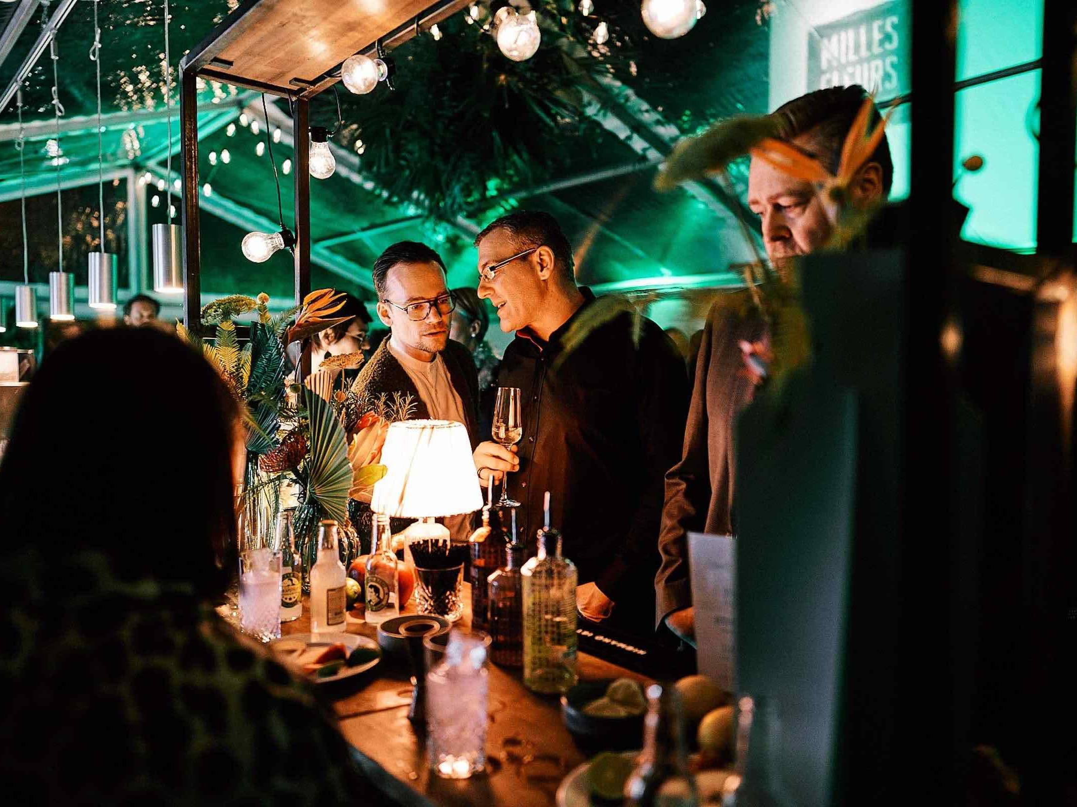 Mobile | Bar | Hamburg | Cocktailbar | Ginbar | Hochzeit | Sektempfang | Barkeeper | Buchen | Mieten | Geburtstag | Foodtruck | Getränke | Catering | Sektbar | Weinbar | Messe | Cocktails | Hamburgfeiert