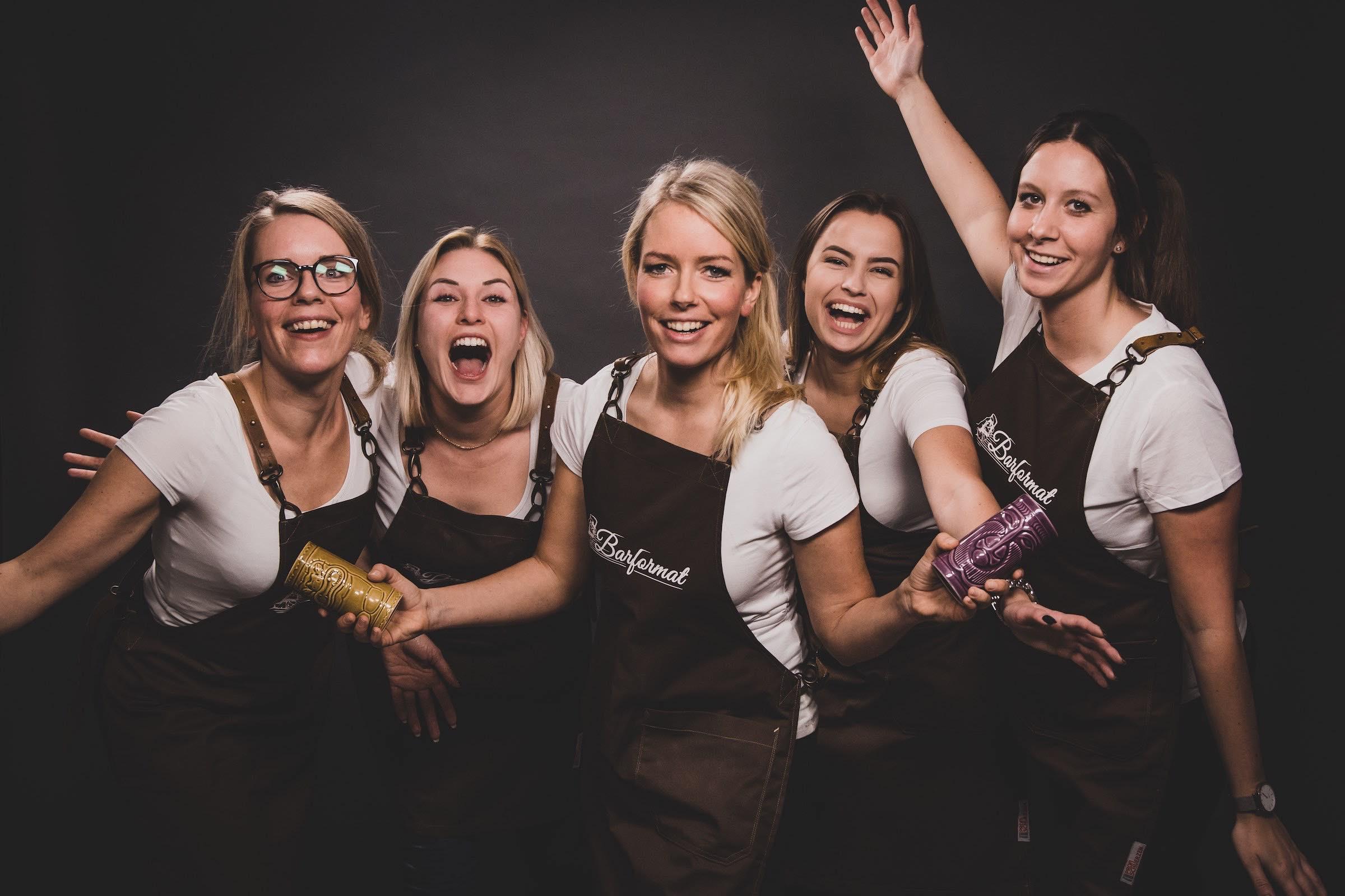 Mobile | Cocktailbar | Hamburg | Hochzeit | Sektempfang | Barkeeper | Kellner | Buchen | Mieten | Geburtstag | Ape | VW | Bar | Getränke | Catering | Foodtruck | Ginbar | Weinbar | Sektbar | Kaffeebar | Hamburgfeiert