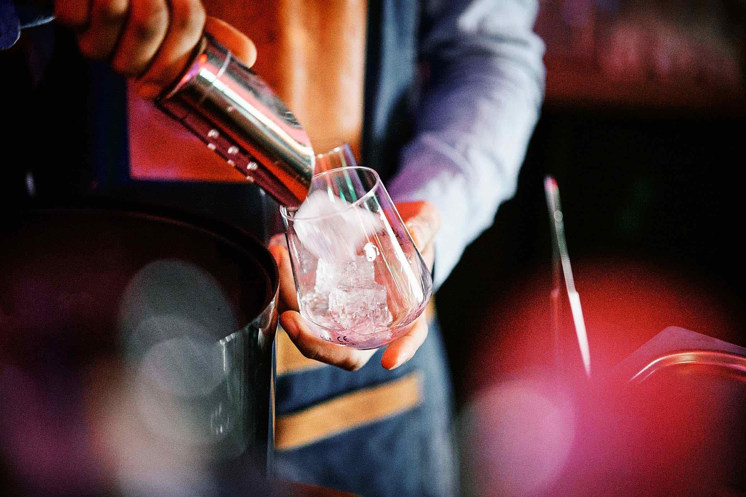 Mobile | Cocktailbar | Hamburg | Hochzeit | Sektempfang | Barkeeper | Mieten | Geburtstag | Ape | VW | Bar | Getränke | Catering | Foodtruck | Ginbar | Weinbar | Sektbar | Kaffeebar | Firmenfeier | Hamburgfeiert