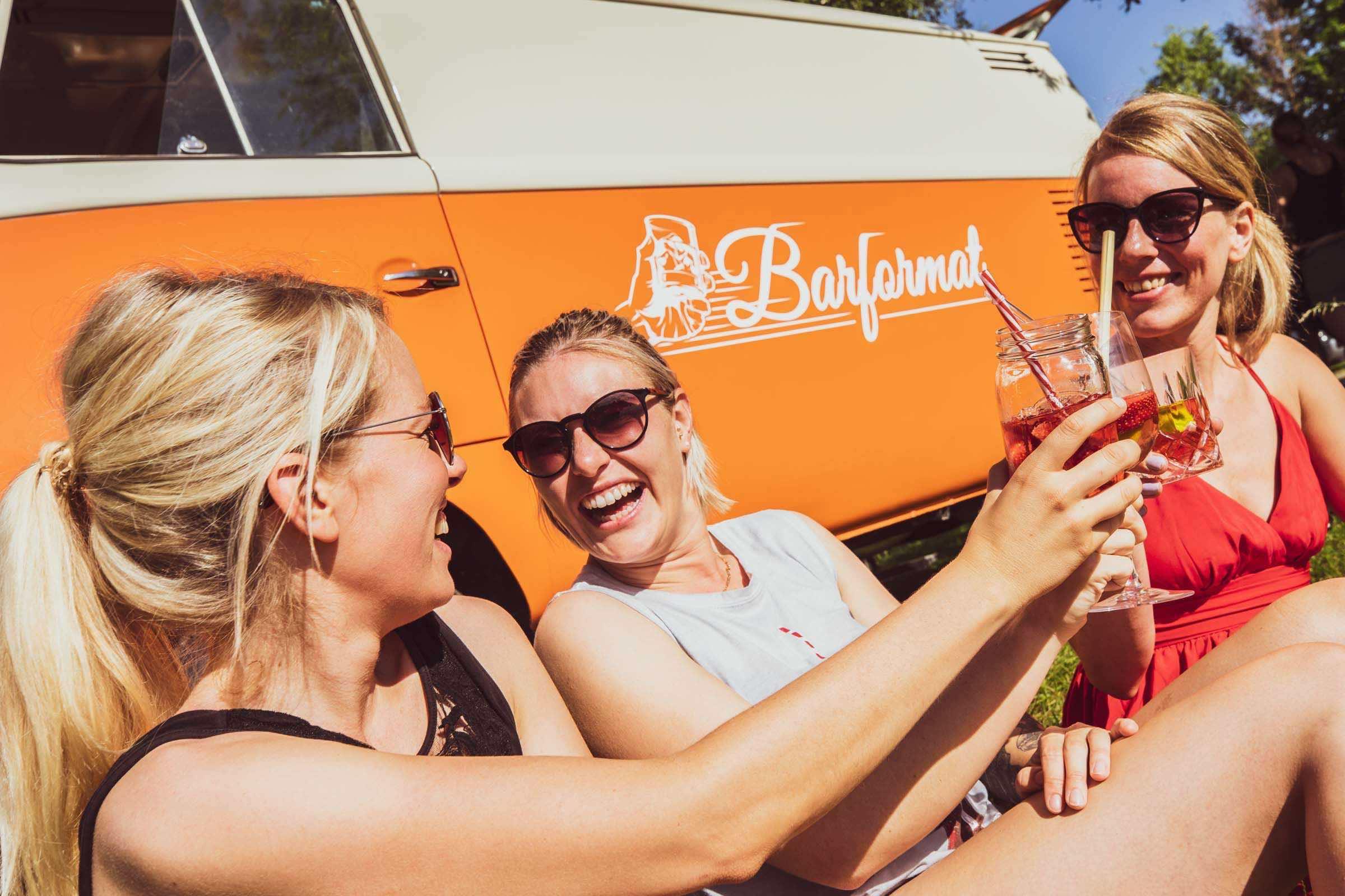 Mobile | Cocktailbar | Hamburg | Hochzeit | Sektempfang | Barkeeper | Mieten | Geburtstag | Ape | VW | Bar | Getränke | Catering | Foodtruck | Weinbar | Ginbar | Sektbar | Messe | Kaffeebar | Cocktails