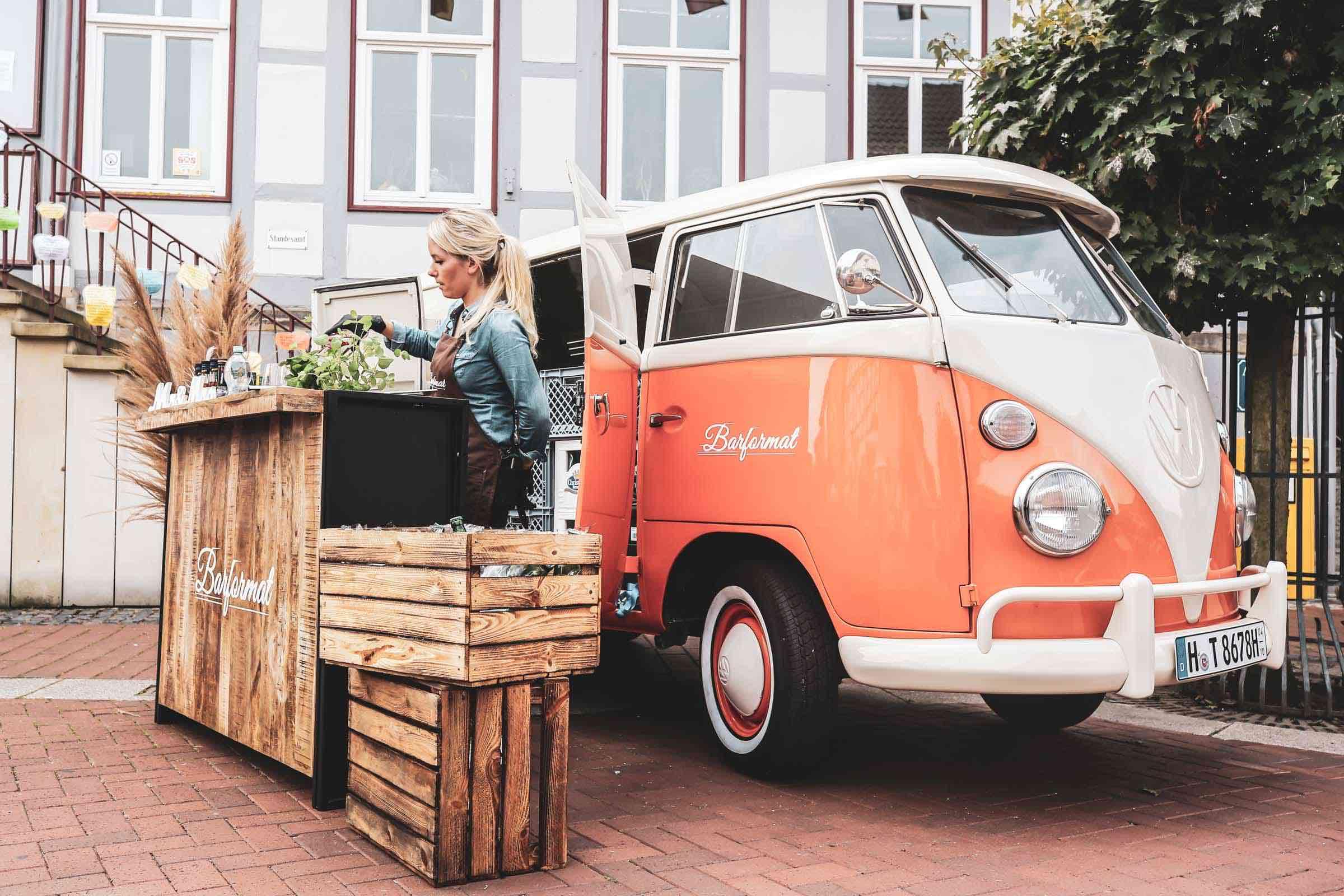 Mobile | Cocktailbar | Hamburg | Hochzeit | Sektempfang | Barkeeper | Mieten | Geburtstag | Ape | VW | Bar | Getränke | Catering | Foodtruck | Weinbar | Ginbar | Sektbar | Messe | Kaffeebar
