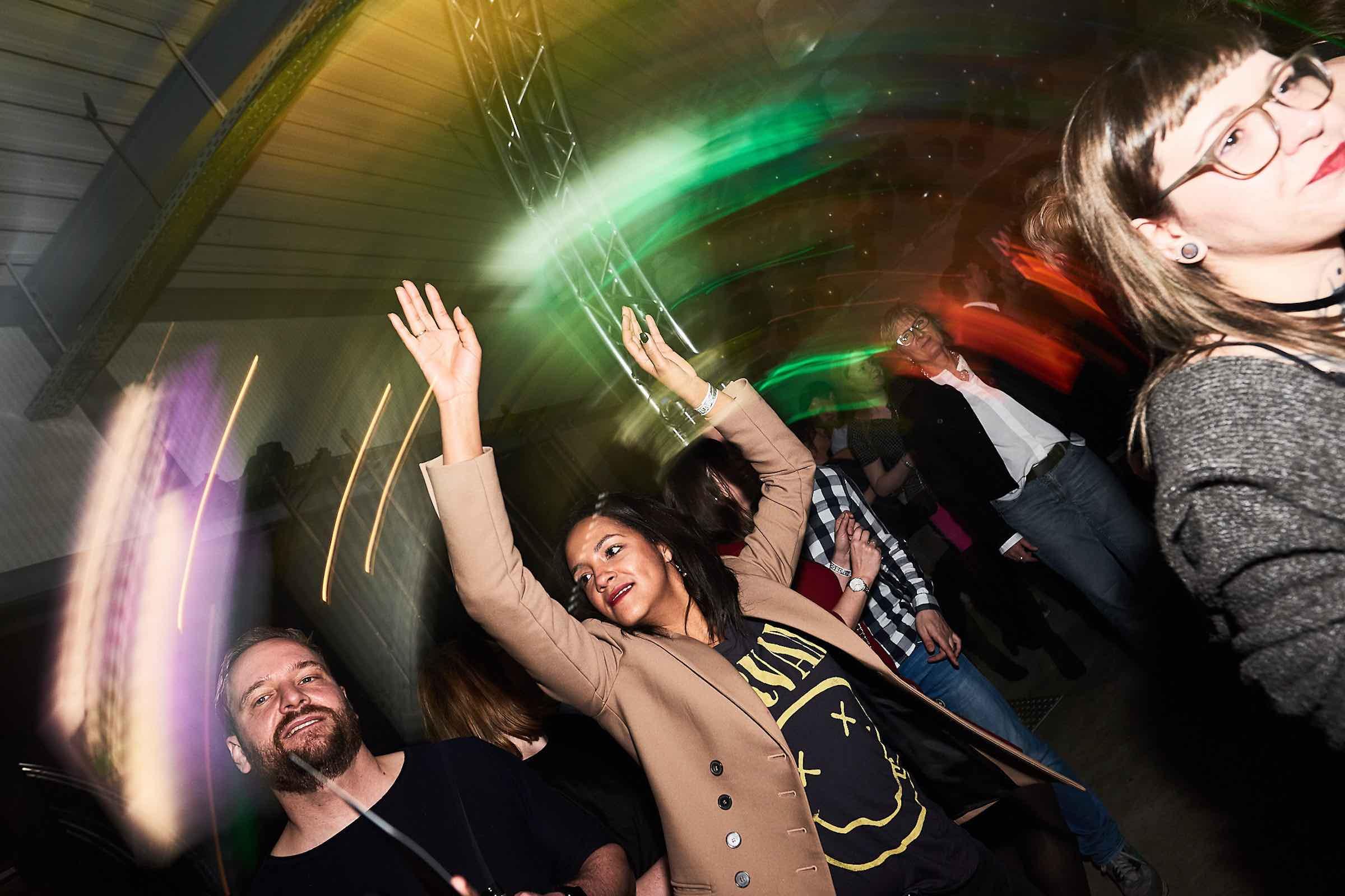 DJ | Agentur | Hamburg | DJ | Geburtstag | DJ | Messe | Hochzeits | DJ | Hamburg | DJ | Firmenevent | Firmenfeier | DJ | Hochzeit | DJ | Weihnachtsfeier | DJ | Sommerfest | Buchen | Anfragen | Hamburgfeiert