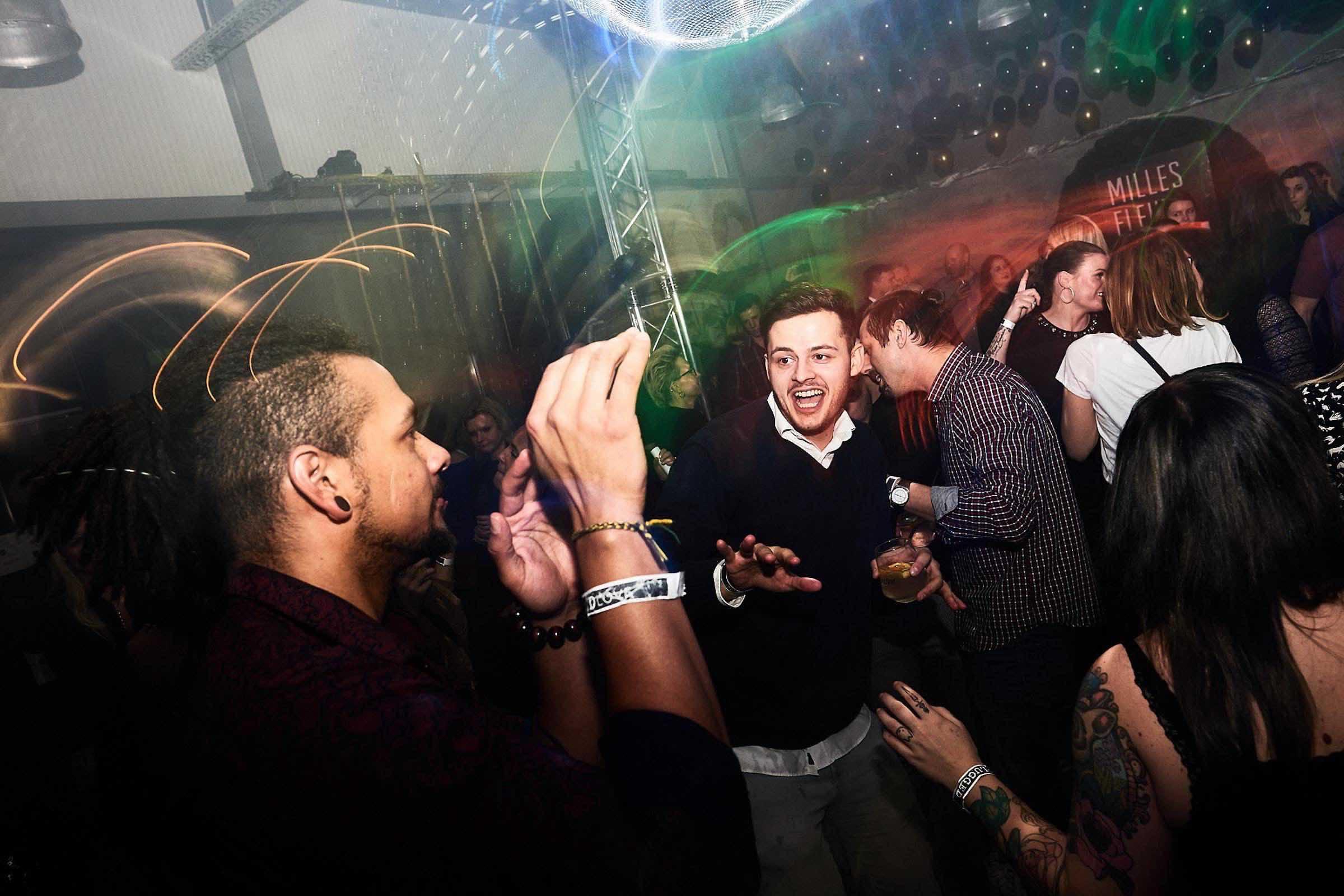 DJ | Geburtstag | DJ | Agentur | Hamburg | DJ | Messe | DJ | Firmenevent | Firmenfeier | DJ | Weihnachtsfeier | DJ | Sommerfest | DJ | Weihnachtsfeier | DJ | Party | Event | Buchen | Anfragen | Hamburgfeiert