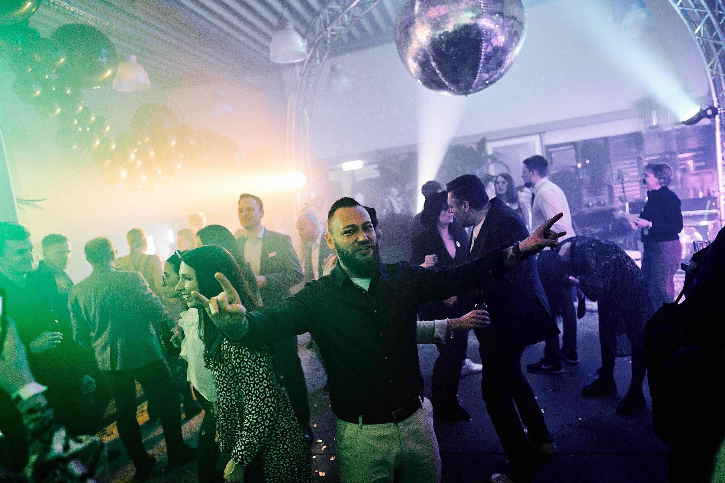 DJ | Hamburg | Buchen | DJ | Agentur | DJ | Messe | Hochzeits | DJ | Hamburg | DJ | Firmenevent | Firmenfeier | DJ | Geburtstag | DJ | Weihnachtsfeier | DJ | Sommerfest | Mieten | Hamburgfeiert