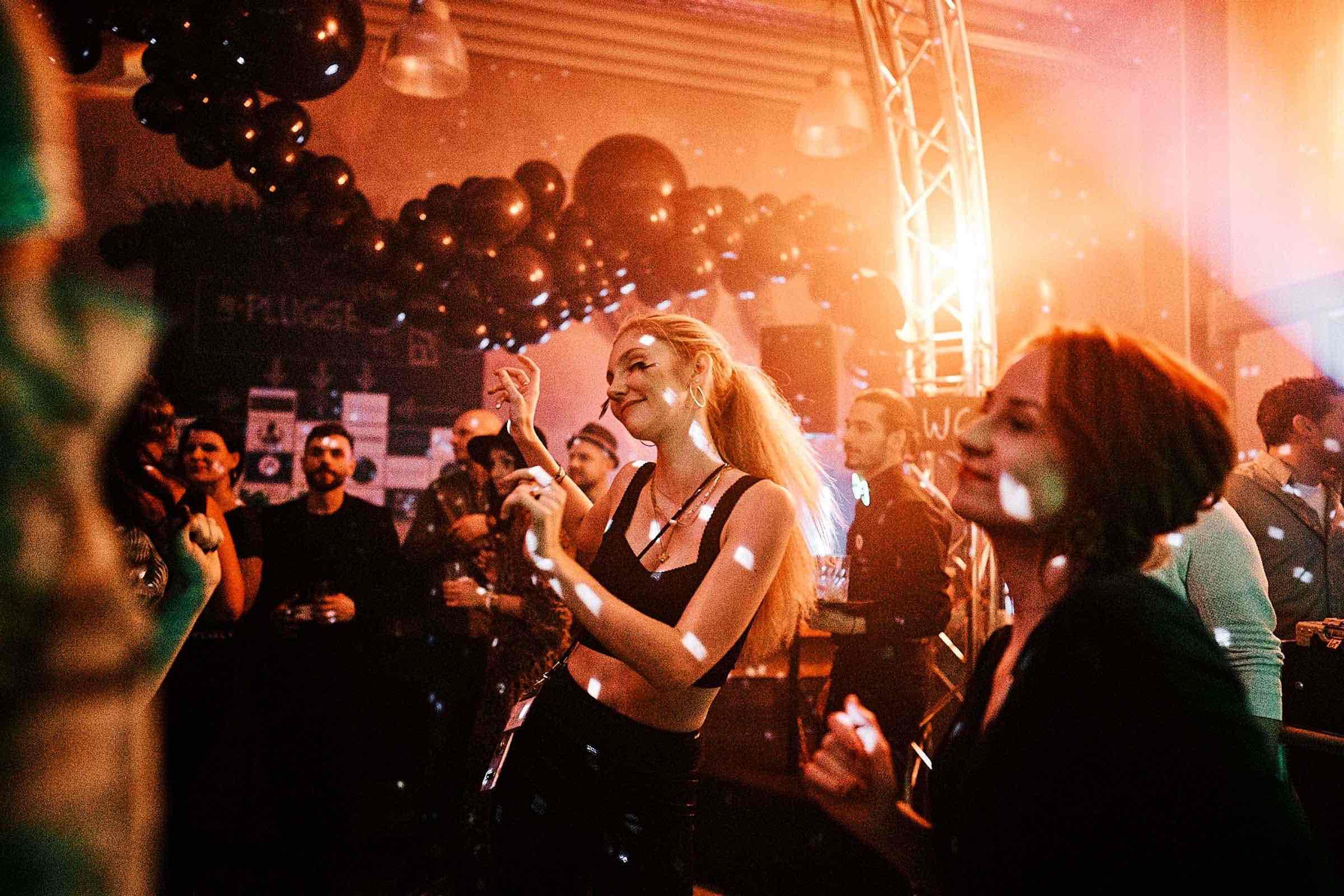 DJ | Hamburg | DJ | Agentur | DJ | Messe | Hochzeits | DJ | Hamburg | DJ | Firmenevent | Firmenfeier | DJ | Geburtstag | DJ | Weihnachtsfeier | DJ | Sommerfest | Hamburg | Buchen | Anfragen | Hamburgfeiert