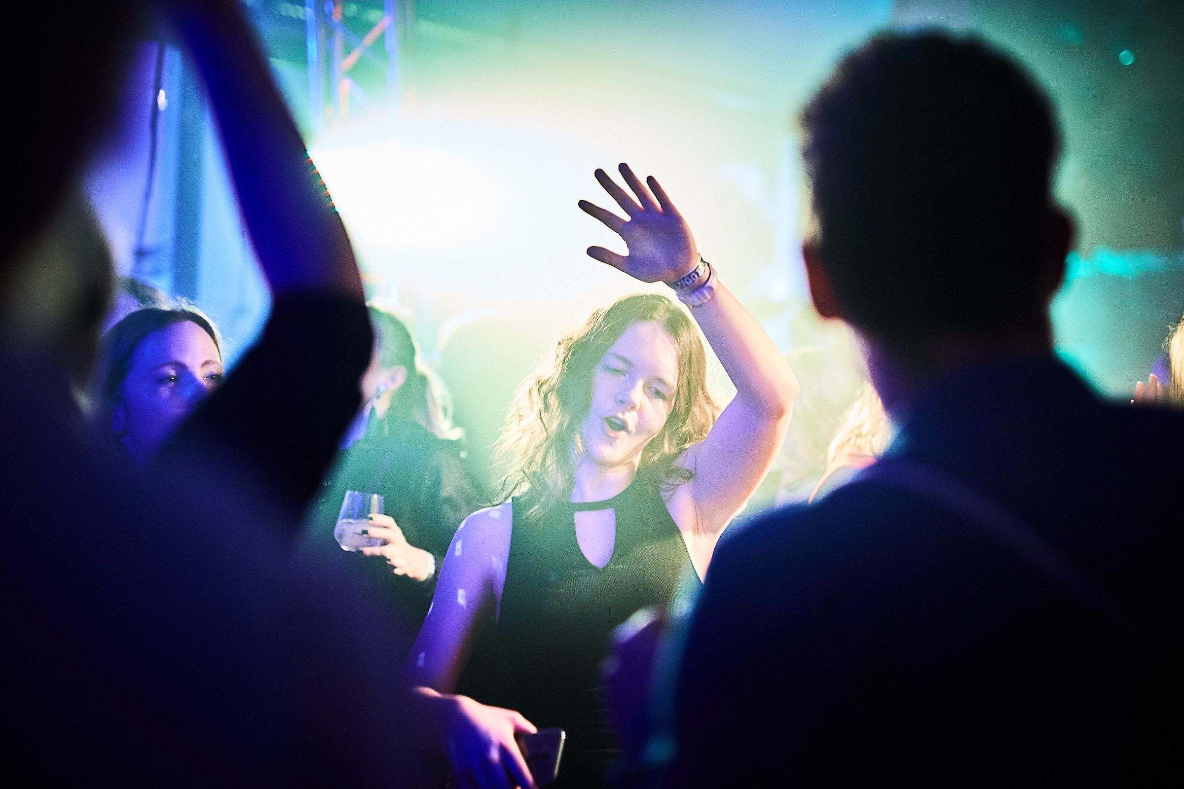 DJ | Hamburg | DJ | Messe | Hochzeits | DJ | Firmenevent | Firmenfeier | DJ | Geburtstag | Hamburg | DJ | Sommerfest | Buchen | Mieten | Hamburgfeiert