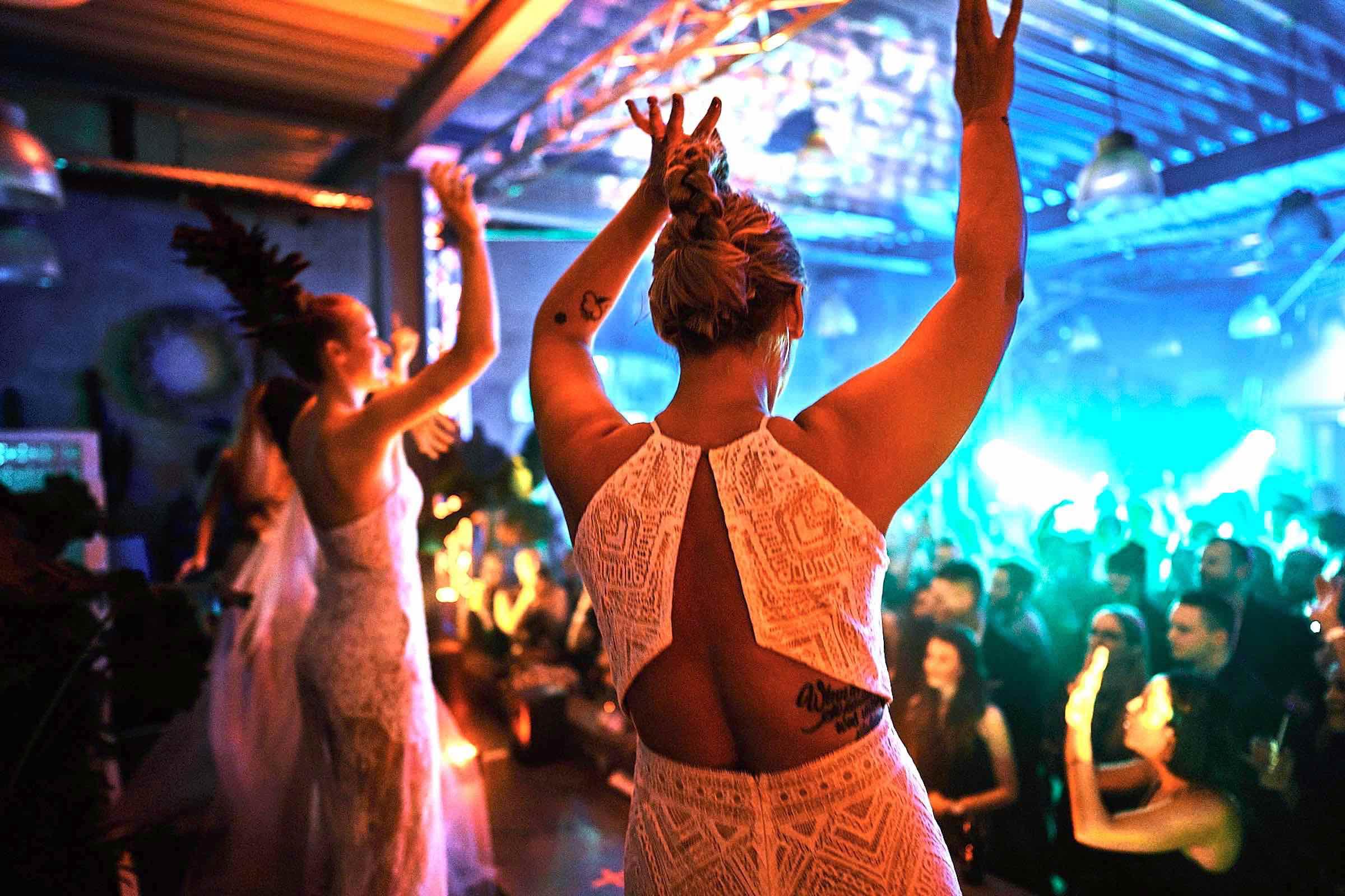 DJ | Hochzeit | Hamburg | DJ | Messe | Hochzeits | DJ | Hamburg | DJ | Firmenevent | Firmenfeier | DJ | Geburtstag | DJ | Weihnachtsfeier | DJ | Sommerfest | DJ | Feier | Buchen | Anfragen | Hamburgfeiert