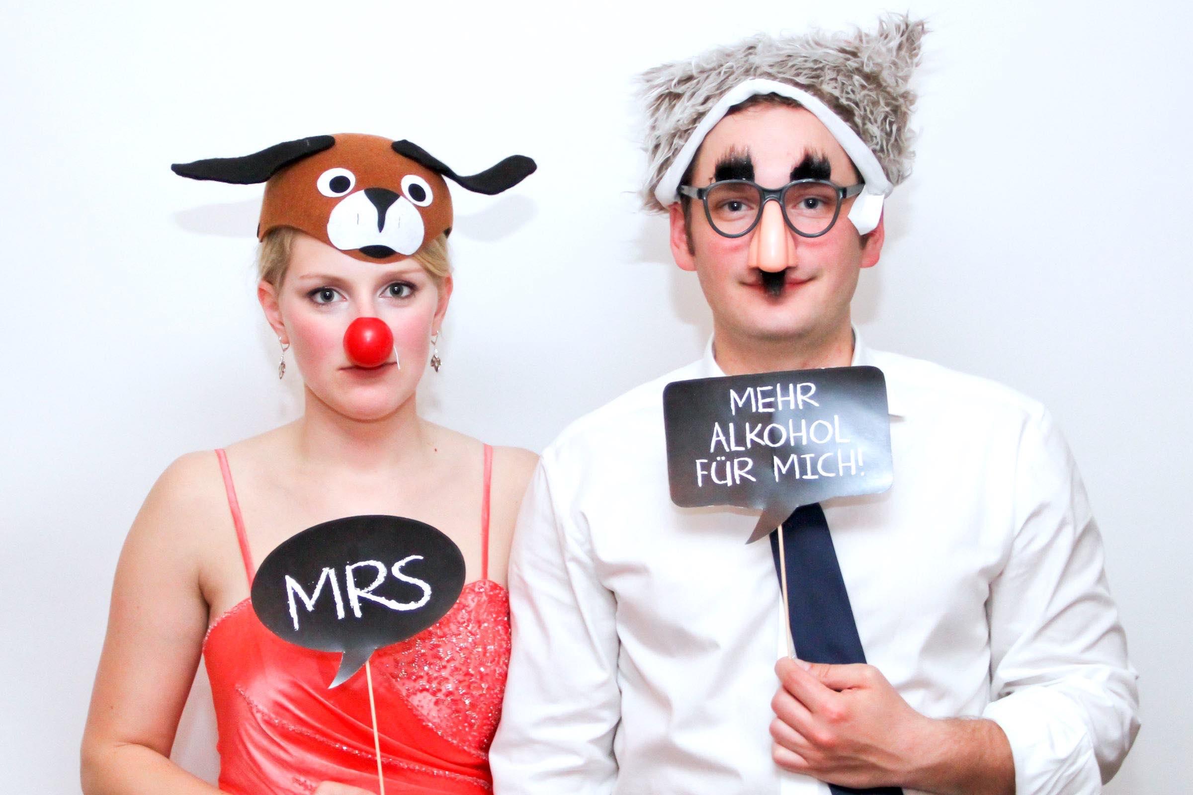 Fotobox   Mieten   Hamburg   Druck   Ausdruck   Sofortdruck   Fotokiste   Photobooth   Fotoautomat   Hochzeit   Messe   Event   Firmenfeier   Abiball   Buchen   Anfragen   Mieten   Fotoglotze   Hamburgfeiert