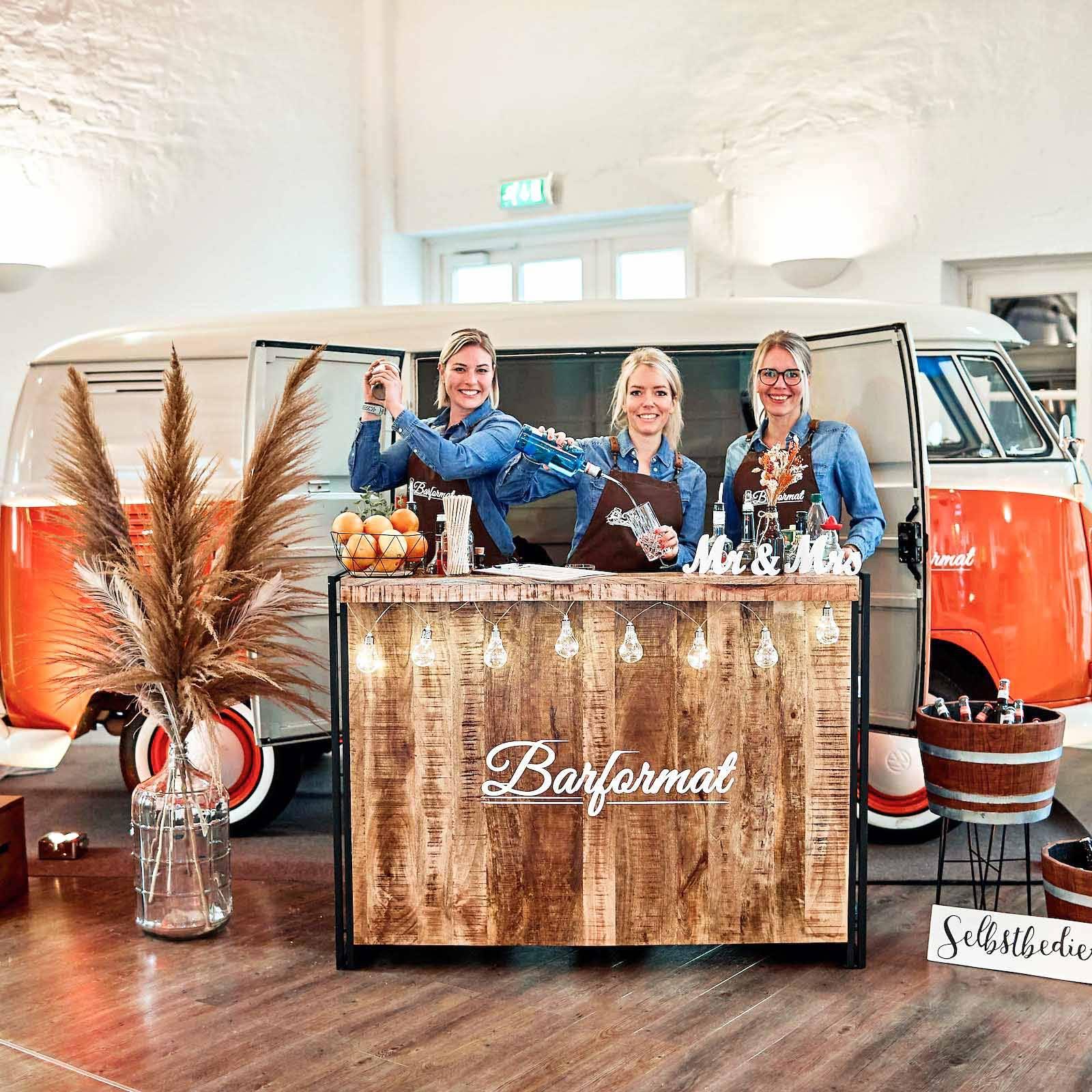 Mobile | Bar | Ape | VW | Bulli | Empfang | Hannover | Cocktailservice | Getränke | Catering | Foodtruck | Kuchen | Sektempfang | Standesamt | Barkeeper | Kellner | Hochzeit | Event | Hamburgfeiert