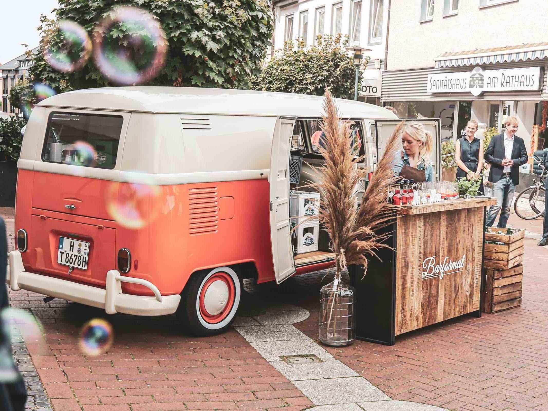 Mobile   Cocktailbar   Hochzeit   Hamburg   Sektempfang   Barkeeper   Mieten   Geburtstag   Ape   VW   Bar   Getränke   Catering   Foodtruck   Weinbar   Ginbar   Sektbar   Kaffeebar   Hamburgfeiert