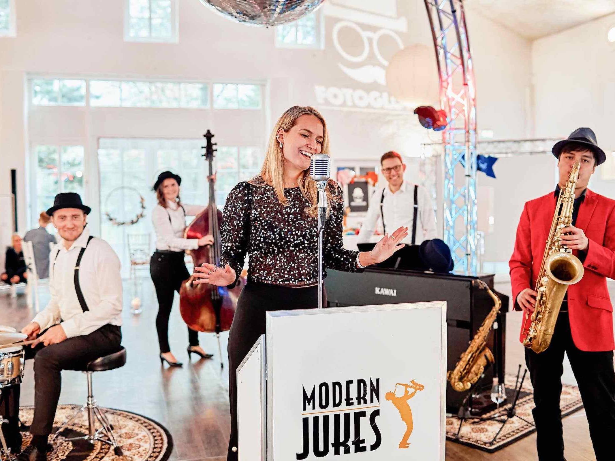 Partyband   Jazzband   Hamburg   Buchen   Band   Empfang   Sektempfang   Popband   Partyband   Sektempfang   Party   Trauung   Dinner   Buchen   Mieten   Hamburgfeiert